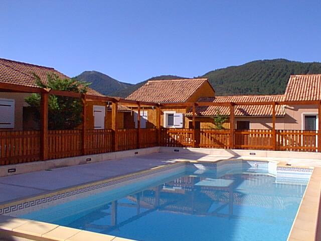 Pavillon de campagne avec piscine chauff e saint andr for Location alpes de haute provence avec piscine