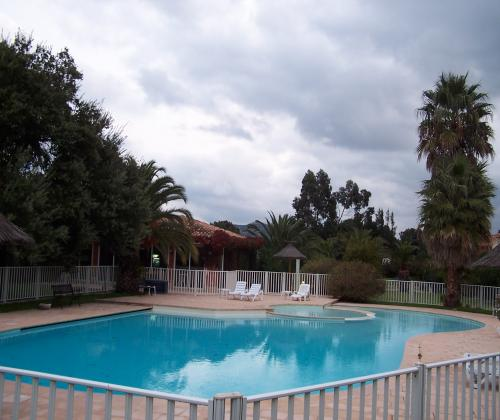 location corse mini villa avec piscine et plage porto vecchio. Black Bedroom Furniture Sets. Home Design Ideas