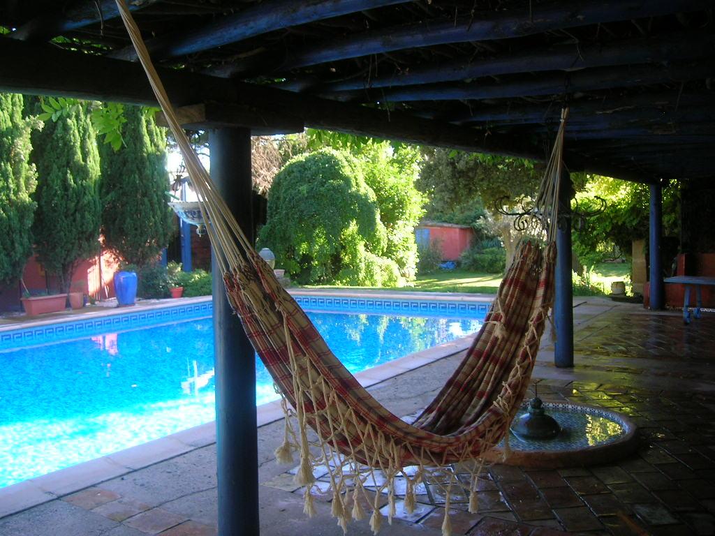 Chambre d 39 h tes de charme en provence avec piscine et istres - Faire des chambres d hotes ...