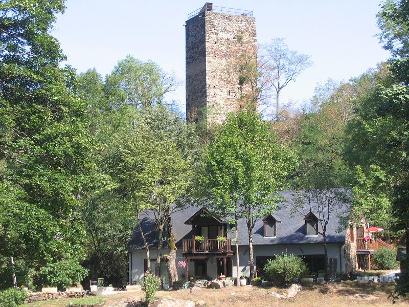 A la tour de castel vielh luchon avec vue luchon - Chambre des metiers de la haute garonne ...