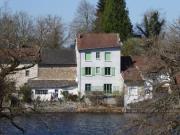 Location gîte, chambres d'hotes L'Hirondelle du Lac dans le département Haute Vienne 87