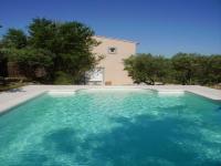 Location gîte, chambres d'hotes Chambre d'hôtes à Fontvieille en Provence (13) dans le département Bouches du rhône 13