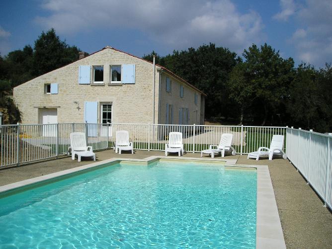 gte en vende avec piscine 4 chambres proche marais poitevin gte auzay pays de la loire - Chambre D H Tes Vendee Avec Piscine