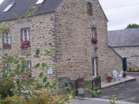 Location gîte, chambres d'hotes Chambres D'hôtes Au Saint Avit dans le département Manche 50