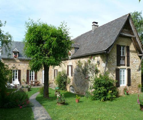 Gite Le Pigeonnier Gite A Salles La Source Midi Pyrenees Aveyron