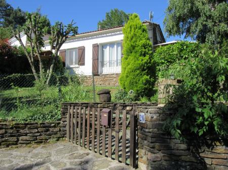 Location maison avec jardin au coeur des c vennes s n chas for Location jardin 78