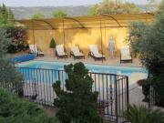 Location gîte, chambres d'hotes gite de CHARME/PISCINE-Gargas en Luberon-pour 2 personnes sur une colline dans le département Vaucluse 84