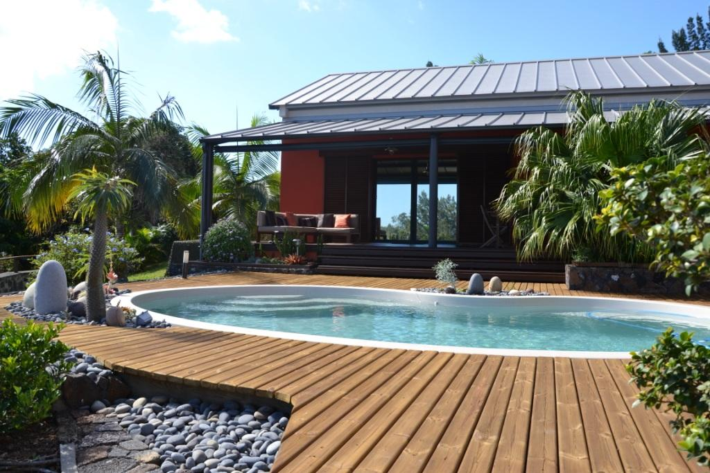 Studio meubl ile de la reunion avec piscine a for Location meuble ile de la reunion