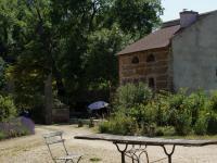 Location gîte, chambres d'hotes Pigeonnier 19ème tranquille a la campagne dans le département Allier 3