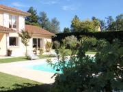 Location gîte, chambres d'hotes Le Clos des Pins - gite à 12 km de Lyon dans le département Rhône 69