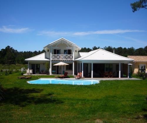 Villa bora bora a 5 kms d arcachon sur le golf de for Chambre sociale 13 janvier 2009