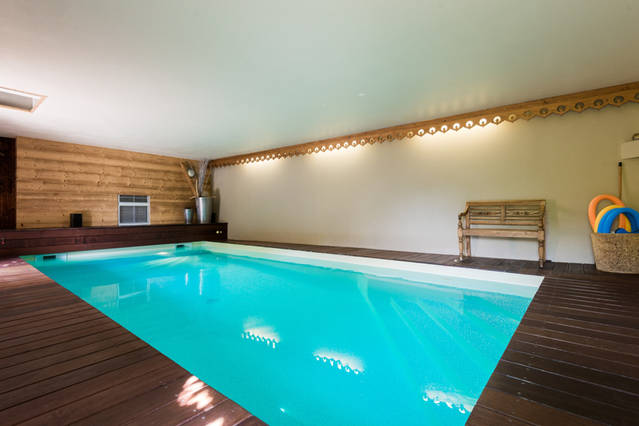 Hotel annecy piscine couverte for Piscine spa annecy