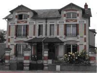 Location gîte, chambres d'hotes ROSES & VIGNES, jardin s'étendant jusqu'au bord du fleuve dans le département Nièvre 58