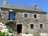 Location gîte, chambres d'hotes CHAMBRES d'HÔTES bretagne côte de granit rose GR34 dans le département Côtes d'Armor 22