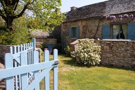 La maison d 39 emile corps de ferme restaur e du la for Chambre d hote aveyron