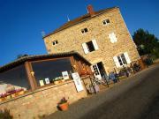 Location gîte, chambres d'hotes La Grange du Bois vue exceptionnelle sur la roche de Solutré et le Grand Site dans le département Saône et Loire 71