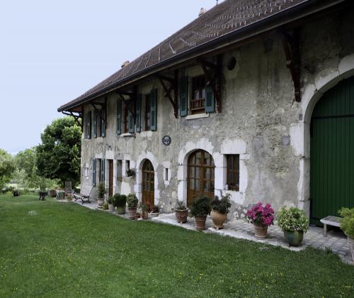 Chambres d 39 h tes la barotte vue paisible sur les chaumont - Chambre d hotes haut jura ...