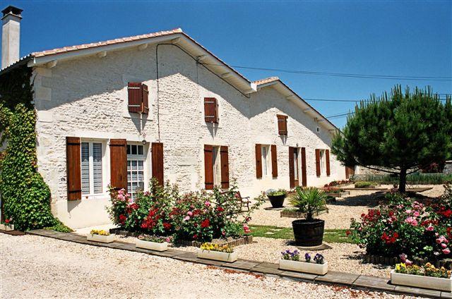 8f4ed986be9 Location de particuliers à particuliers Roulotte et chambres d hôtes dans  les vignes près de