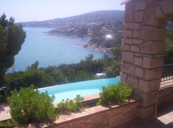 Villa Provenale Avec Piscine Et Spa  SaintAygulf