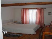 Location gîte, chambres d'hotes Chambres et table d'hôtes domine la plaine de la Loire et du canal Digoin Roanneet  dans le département Saône et Loire 71