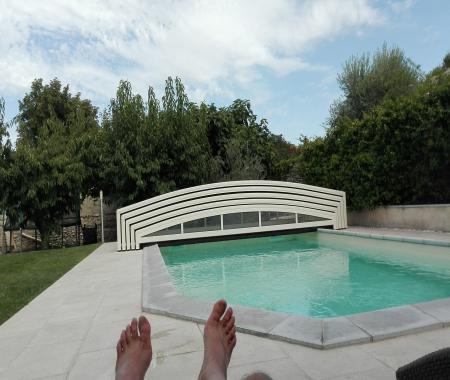 L 39 oustau de famiho vos vacances avec piscine for Chateauneuf de gadagne piscine