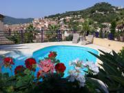 Location gîte, chambres d'hotes Hyeres maison 270m2 piscine chambres climatisées dans le département Var 83