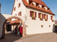 Location gîte, chambres d'hotes La maison d'Emilie maison d'hotes en Alsace dans le département Haut Rhin 68