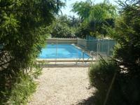 Location gîte, chambres d'hotes Vacances Lubéron Avec une piscine non partagée dans le département Vaucluse 84