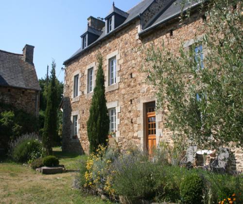 Chambres DHtes Du Manoir De Panduonec Proche   Trverec