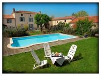 Location gîte, chambres d'hotes Chambres d'hotes aux portes du marais dans le département Vendée 85