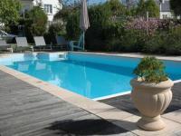 Location gîte, chambres d'hotes Maison 4 étoiles avec piscine proximité mer dans le département Finistère 29