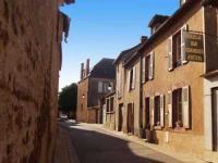 Location gîte, chambres d'hotes Chaillac Chambres d'Hotes dans le département Indre 36
