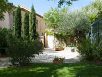 Location gîte, chambres d'hotes GITE ''LE MAZET'' à 150 m des vignes dans le département Gard 30