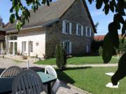 Location gîte, chambres d'hotes Les pieds dans l'herbe ancienne ferme rénovée du Val d'Amour dans le département Jura 39