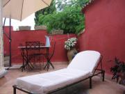 Location gîte, chambres d'hotes Gite en Camargue, cité médiévale baignée de soleil au cœur de la Camargue dans le département Gard 30