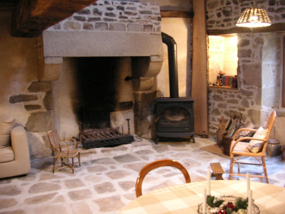 A louer jolie petite maison de campagne à... à Roussac