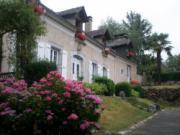 Location gîte, chambres d'hotes Anousta chambres et table d'hotes à la ferme à 3 kms de lourdes  avec piscine dans le département Hautes Pyrénées 65