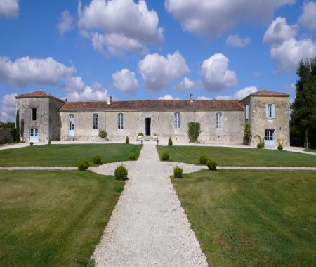 4db436327bf Location de particuliers à particuliers Gîte et chambres d hôtes Saintes  Cognac Au coeur de