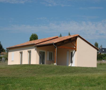Villa Avec Piscine Prive tang En Dordogne  BussireBadil