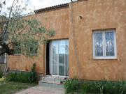 Location gîte, chambres d'hotes Bas de villa au coeur d'un village provençal, entre mer et montagne dans le département Var 83