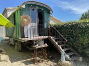 Location gîte, chambres d'hotes Ambiance romantique près d'Uzès avec vue sur les Cévennes dans le département Gard 30