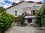 Location gîte, chambres d'hotes GITE LES VERGERS DE TALLENDE au centre du Puy de Dôme dans le département Puy de Dôme 63