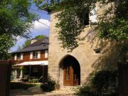 Location gîte, chambres d'hotes Vieille tour au coeur du Périgord Noir dans le département Dordogne 24