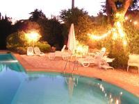 Location gîte, chambres d'hotes 2 pavillons 6 et 4 personnes avec belle piscine, parc privé calme, près mer dans le département Bouches du rhône 13