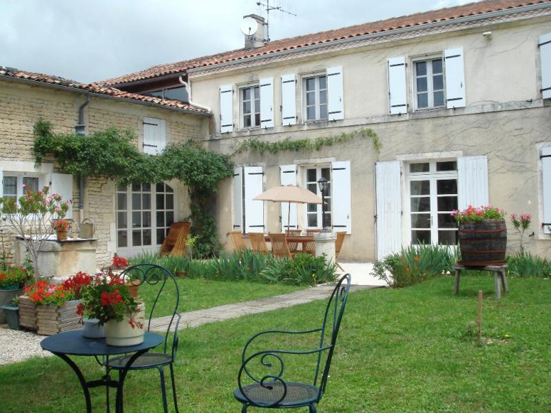 94f1f6f336a Location de particuliers à particuliers Gîte en Charente Jarnac-Cognac au  cœur des vignes Gîte
