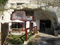 Location gîte, chambres d'hotes LES TROGLOS DE BEAULIEU, LE LOGIS DU GARDIEN dans le département Indre et Loire 37