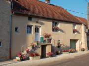 Location gîte, chambres d'hotes GITE GES ROCHES village tranquille de l'Auxois dans le département Côte d'or 21