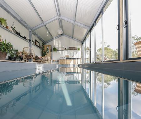 Location de particuliers à particuliers gîte design piscine intérieure gîte vendée