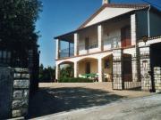 Location gîte, chambres d'hotes Grande maison de 140 m au milieu des vergers dans le département Gard 30
