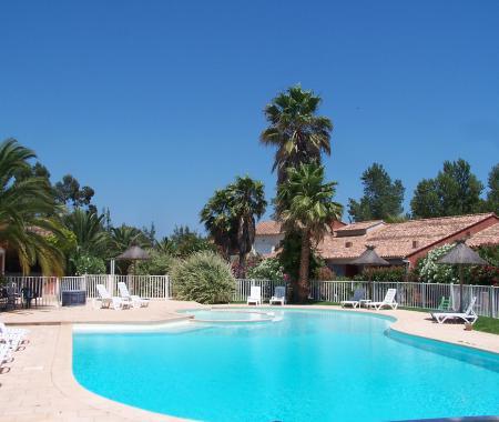 Locations avec piscine de 2 14 personnes porto vecchio for Gite corse du sud avec piscine